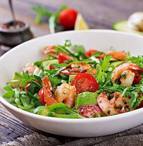 Comida saludable en plato